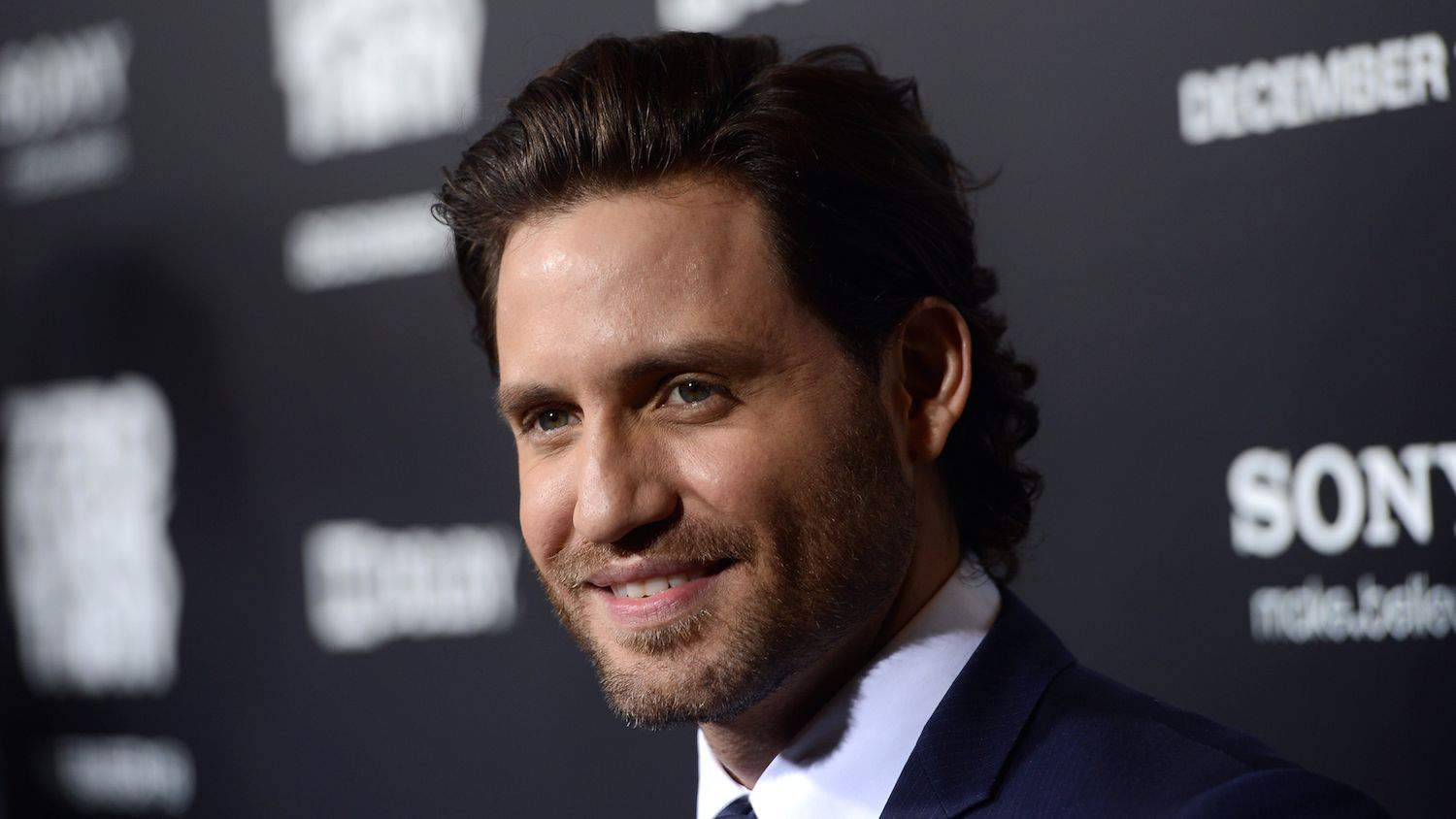 "Edgar Ramirez To Star In ""Point Break"" Remake"