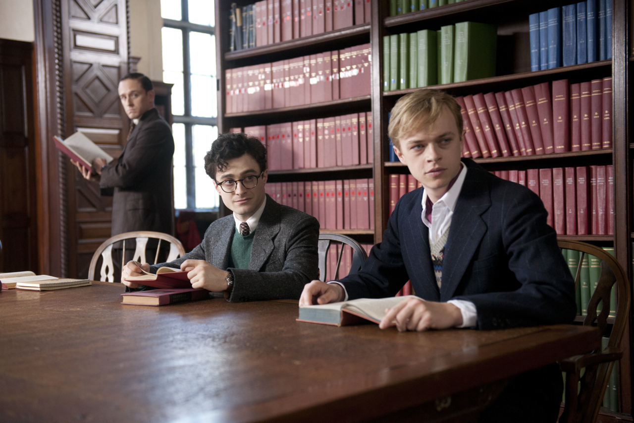 Check out new pics from Daniel Radcliffe's 'Kill Your Darlings'!