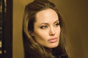 Angelina Jolie to play 'Catwoman' in next Batman film?