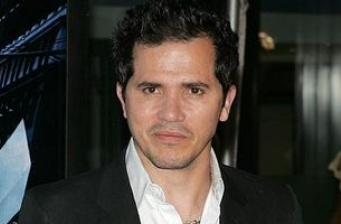 John Leguizamo curses up a storm in Spanish