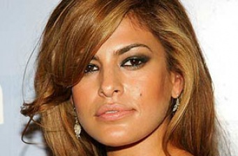 Eva Mendes in new trailer for 'Bad Lieutenant'