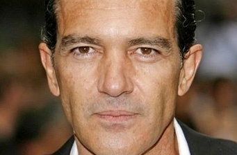 Antonio Banderas reveals new details from 'Puss in Boots'