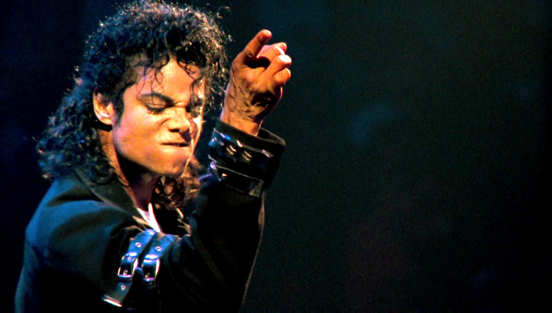 Happy Birthday Michael Jackson! 7 covers by Latino musicians