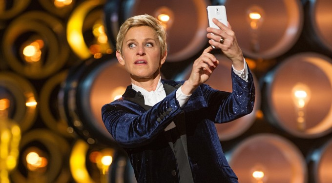 Lengua, Cámara y Acción: Was Ellen DeGeneres Schtick Brilliant Or Lousy On Oscar Night?