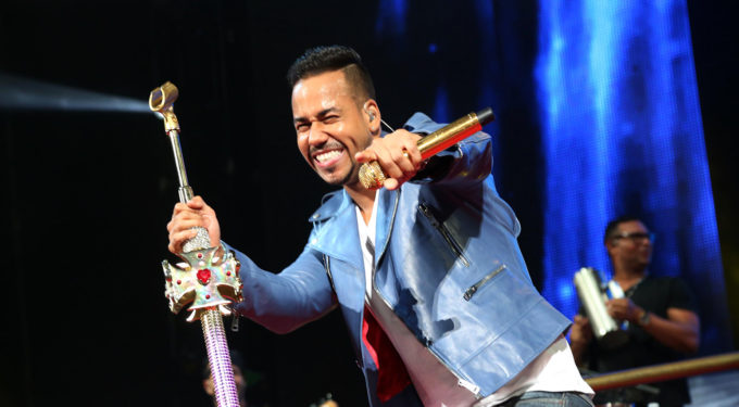 PODCAST: We Review Romeo Santos New Album 'GOLDEN'